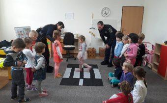 Návšteva mestskej polície v EMŠ